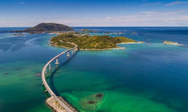Bridge from Kvaloya, Norways fifth largest island (fun fact - same size as Singapore) to Sommaroy.